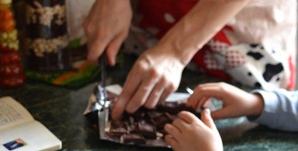 Atelier cuisine  : Fabrication chocolats de Pâques avec Alex Maître Chocolatier – Pornic